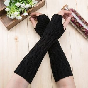 Accessories - Fingerless knit arm warmers gloves goth punk